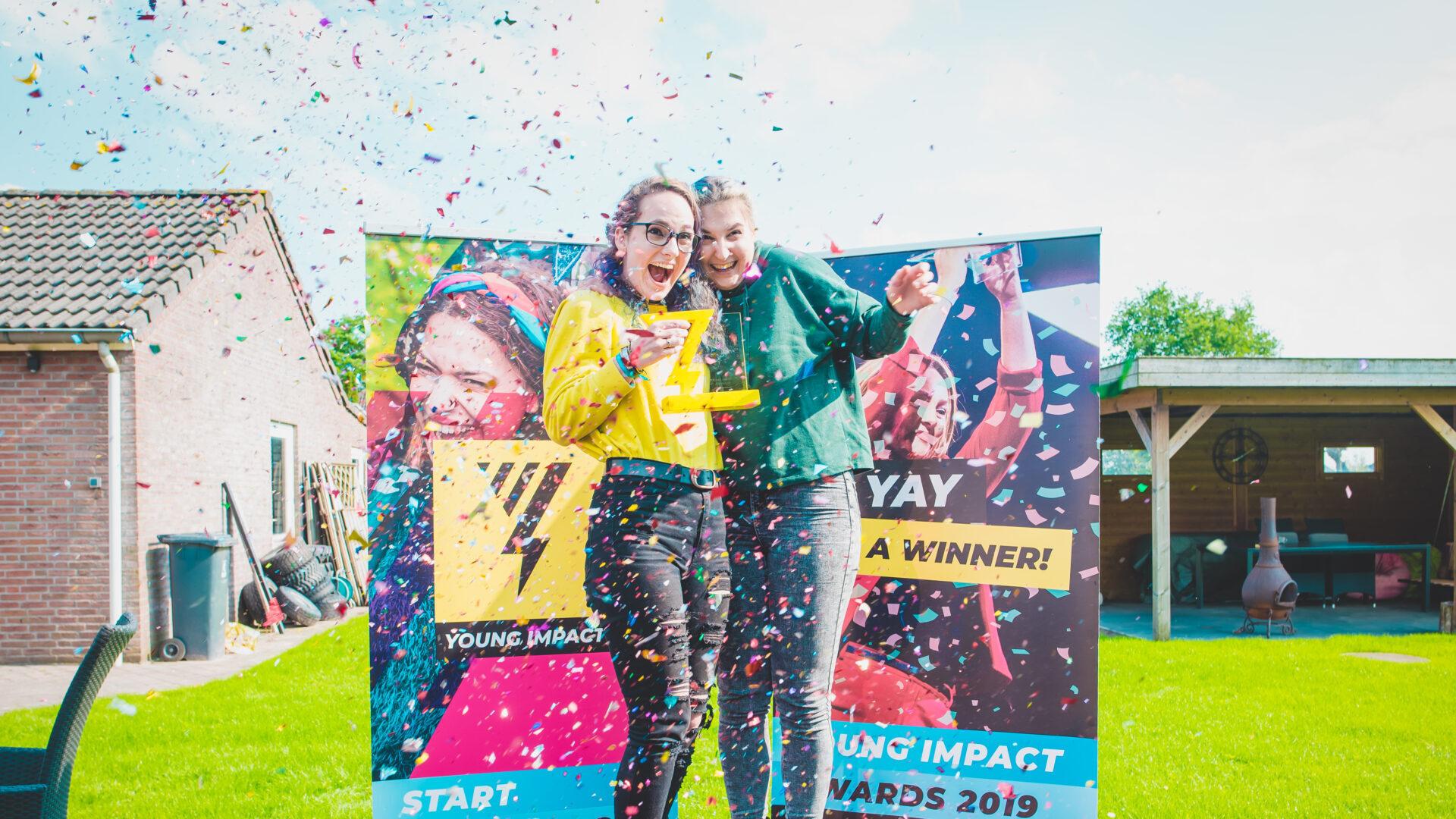 Aftermath met Nicole en Stephanie: winnaars in de categorie Education