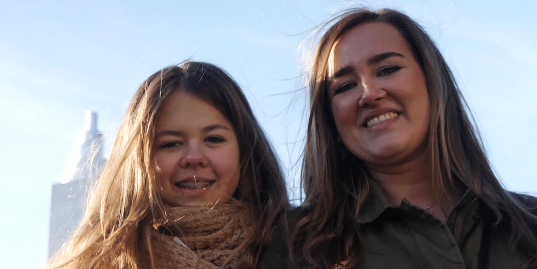 Floor (22) en haar zusje Christien (13) koken voor eenzame ouderen