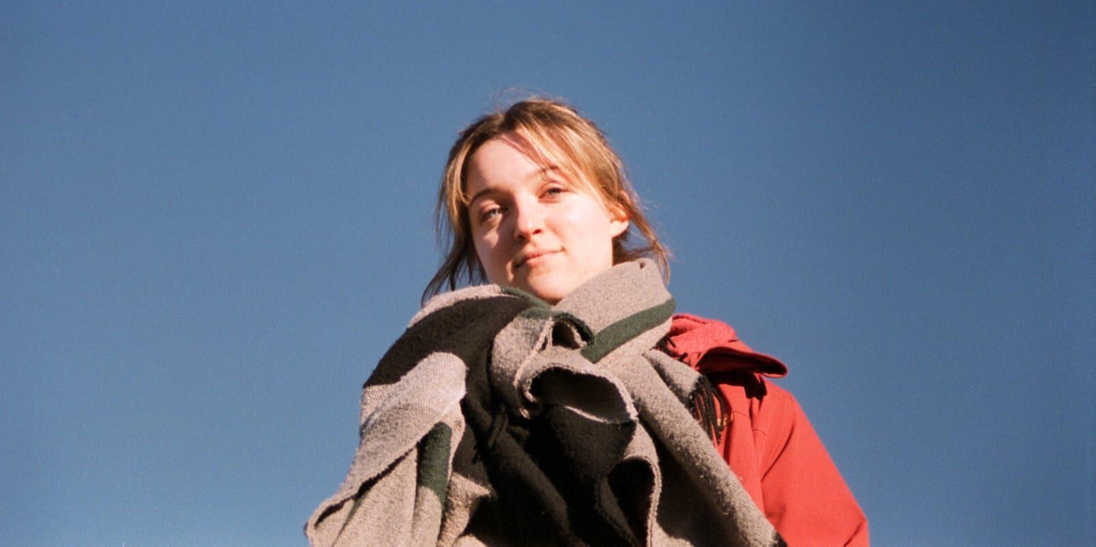 Justine (23) maakt klimaatstatement met stoepkrijt